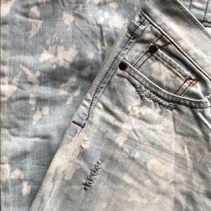 Abercrombie & Fitch Vintage Destroyed Jeans